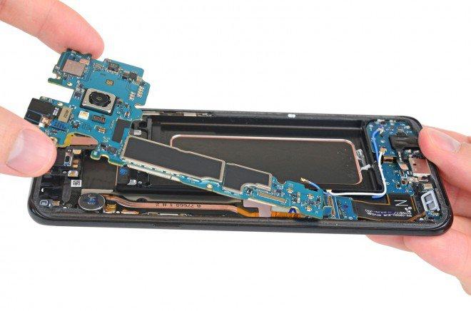 Galaxy S8+ Plus teardown 6