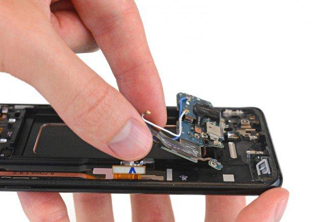 Galaxy S8+ Plus teardown 7