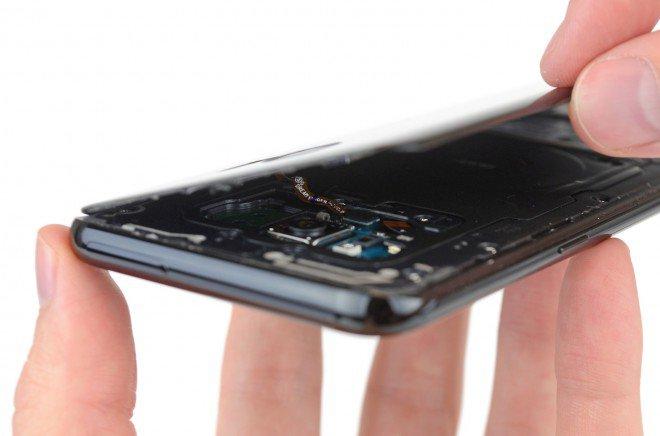 Galaxy S8+ Plus teardown cover posteriore