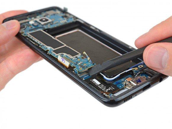 Galaxy S8 teardown 1
